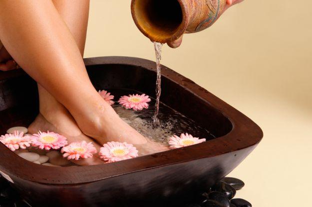 Jak poradzić sobie z suchymi stopami?