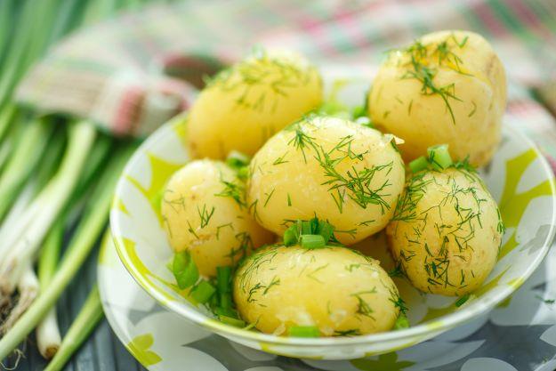 Dania z młodych ziemniaków