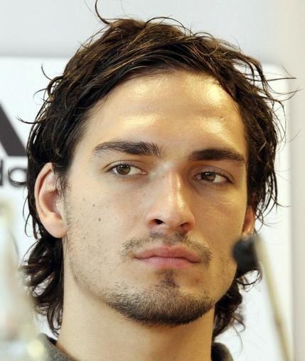 Jak czeszą się najbardziej atrakcyjni piłkarze Euro 2012 ?