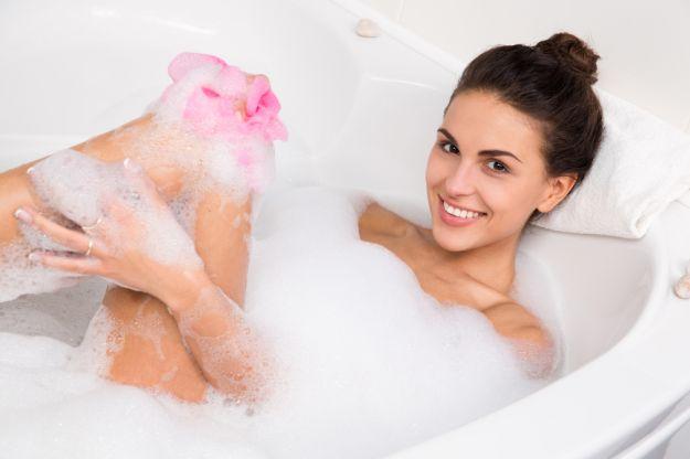 Domowe sposoby na regenerację ciała i włosów po lecie