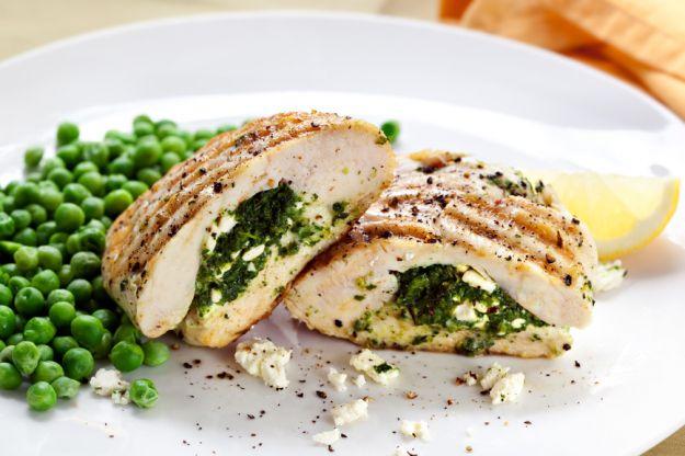 Pollo en salsa de queso rulo de cabra - Receta de cocina