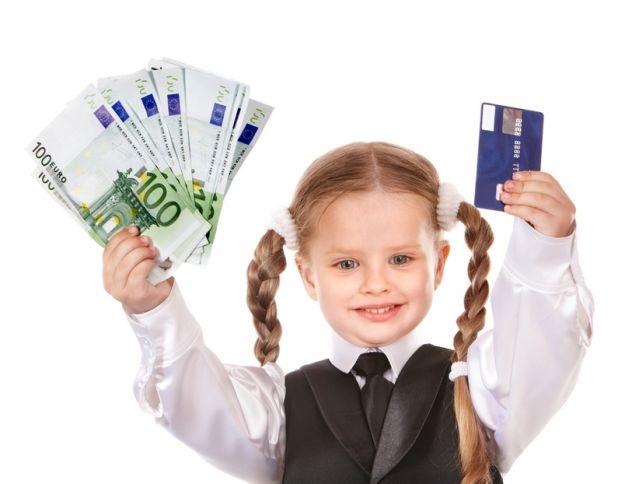 Konto w banku i karta płatnicza dla dziecka