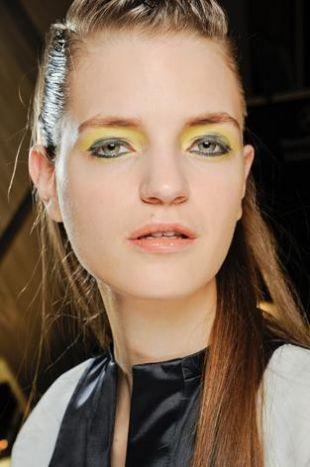 Owocowe trendy w makijażu