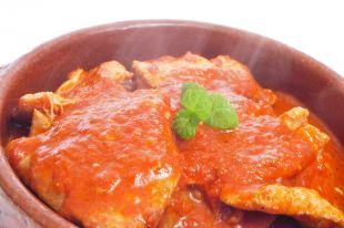 Steki cielęce w sosie pomidorowym