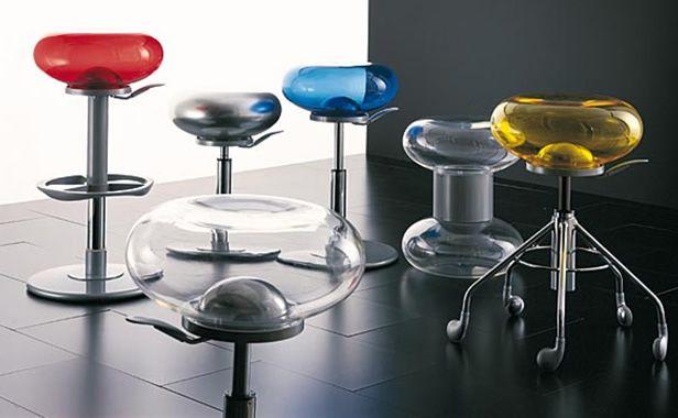 Krzesła barowe -futurystyczne
