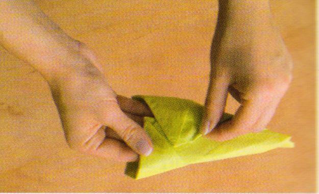 Wielkanocy zajączek z serwetki – zrób go sama!