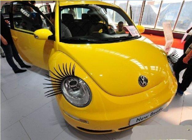 Rzęsy do samochodu - gadżety kobiety