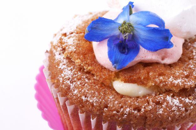 Dekorowanie potraw kwiatami jadalnymi
