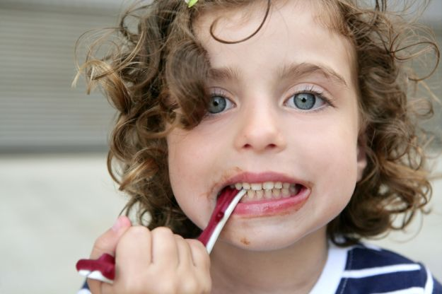 Profilaktyka próchnicy u dzieci lub co powinno jeść twoje dziecko by uniknąc próchnicy?