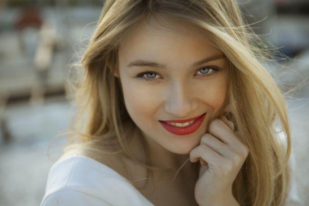 Jak dbać o makijaż w czasie upału? - 5 praktycznych trików