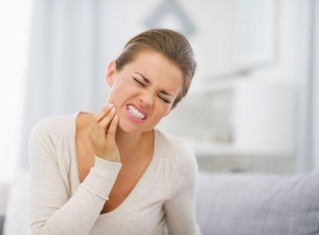 6 najczęstszych przyczyn nadwrażliwości zębów