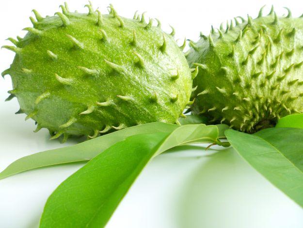 Owoc gravioli skuteczniejszy od chemioterapii?