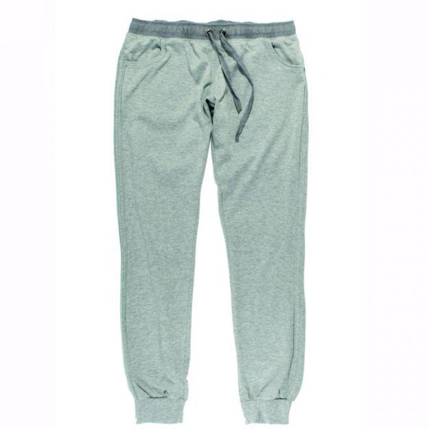 Modne i niedrogie spodnie dresowe