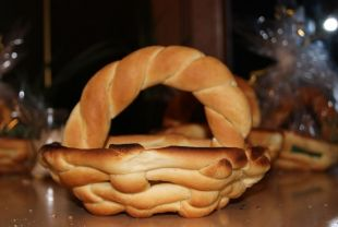 Koszyczek wielkanocny z ciasta dro�d�owego