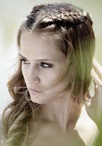 Fryzury ślubne - warkocze, sploty, korony