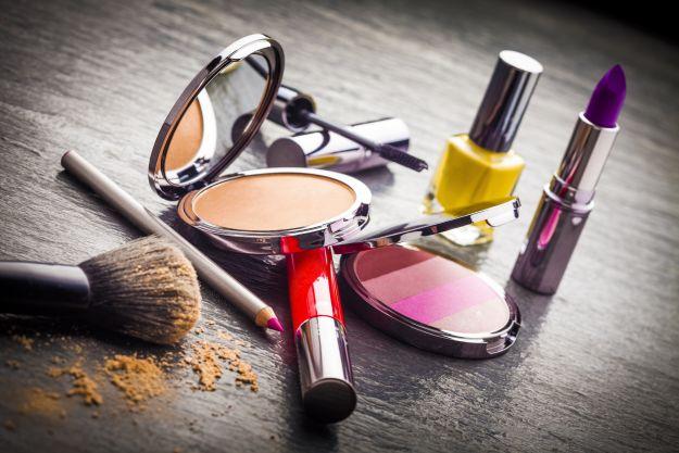 Jaka jest żywotność kosmetyków? Sprawdź!