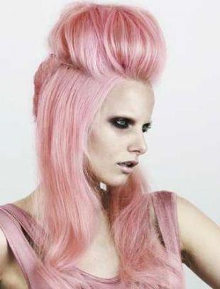 Jak nosić kolorowe włosy
