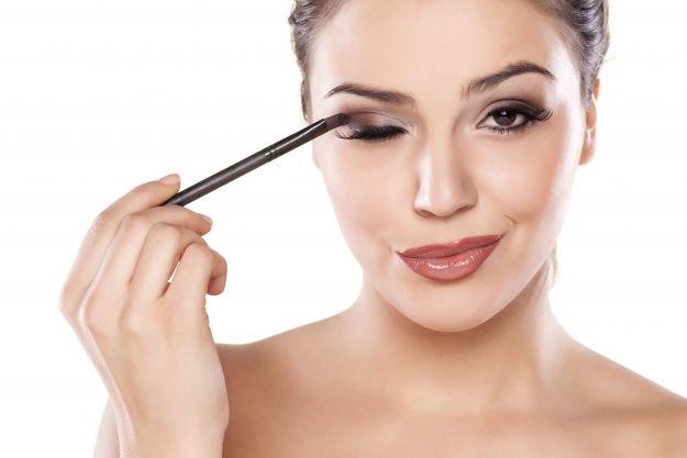 Jak wykonać samodzielnie makijaż na ślub?