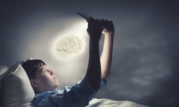 Demencja cyfrowa - co z naszym mózgiem robią nowe technologie?